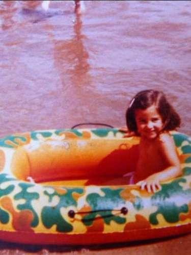Qué mejor que el día de su cumpleaños para compartir con sus seguidores una fotografía de cuando tan solo era una niña; así lo hizo Paula Echevarría.