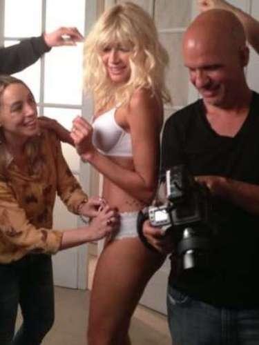 Para algunos parece que los años no pasan. Si no vean a la modelo venezolana Catherine Fulop, que fue la protagonista de una campaña de una marca de lencería y posó en ropa interior sin necesidad alguna de retocar las imágenes con photoshop. Recordá también algunas imágenes de cuando era más joven para comprobar que está igual de sexy