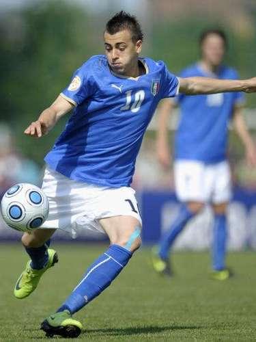 Italiano con ascendencia egipcia, El Shaarawy jugó en todas las categorías juveniles azzurras, donde llegó hasta cuartos de final del Sub-17 de 2009. Luego de apariciones esporádicas, a partir de 2012 se convirtió en titular indiscutible del Milan y de a poco va ganándose un lugar en su selección.