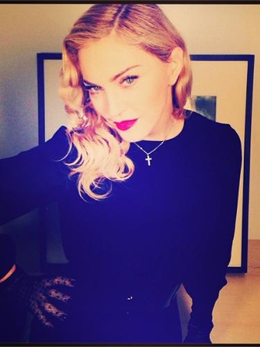 25 de Septiembre - Antes de estrenar su cortometraje llamado 'Revolution of Love', Madonna se preparaba para la gran fiesta que daría en su honor y nos compartió esta foto luciendo simplemente ¡espectacular!