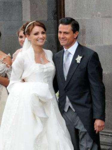 Y el pueblo mexicano en general vió a la Gaviota bella y majestuosa, acorde con el papel que desempeñaría desde ese entonces como esposa de uno de los políticos más prestantes del país, hoy Presidente.