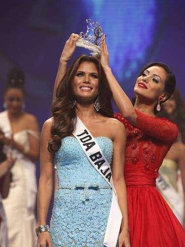 La joven de 22 años representante del municipio de Toa Baja, sucedió en el trono aMonic Pérez, coronada el año anterior como Miss Universe Puerto Rico.