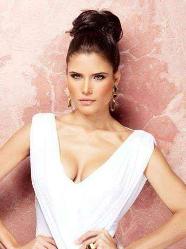 Adicionalmente conquistó el premio de Miss Turismo Intercontinental 2010.