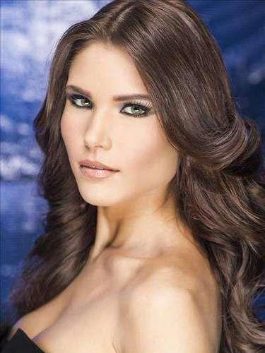 Sin embargo,confesó tambiénque dudó lograrlo cuando se encontraba tomada de las manos con la primera finalista, Aleyda Ortiz,Miss Bayamón.