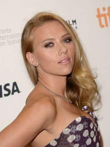 Scarlett Johansson afirmó a Daily Mail que una de sus fantasías sexuales son los baúles de los carros.