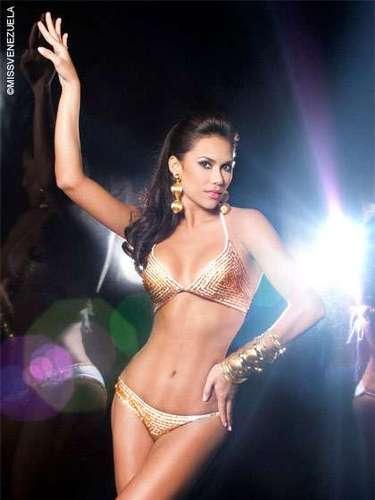 Miss Anzoátegui - Daniela Briceño. Tiene 25 años de edad, mide 1.78 metros de estatura y su ciudad natal esValencia.