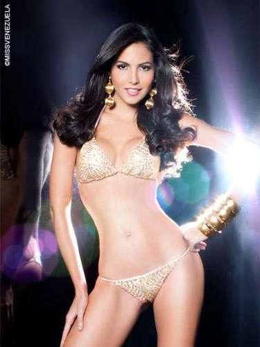 Miss Distrito Capital - Andrea Victoria Lira Soledad. Tiene 20 años de edad, mide 1,80 metros de estatura y su ciudad natal es Caracas