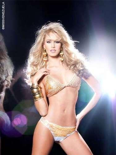 Miss Yaracuy - Alicia Carolina Dolanyi Korsos. Tiene 24 años de edad, mide 1,78 metros de estura y su ciudad natal es Caracas