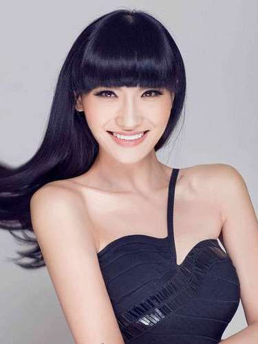 Y qué decir de la enigmática belleza de Miss China, Jin Ye de 25 años de edad. Reside en Shijiazhuang.