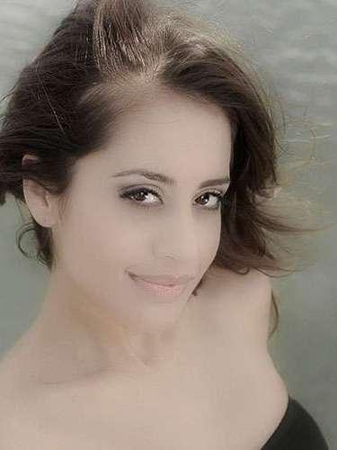 Y representando al viejo continente Miss Dinamarca,Cecilia Aisha Iftikhar. Tiene 26 años de edad y reside en Kokkedal.