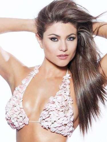 Sensual y muy exótica Miss  Ecuador, Constanza María Báez Jalil. Tiene 22 años de edad y reside en Quito.