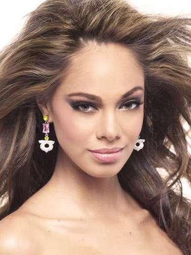 Una belleza muy exótica la de Miss Francia Hinarani, Marie de Longeaux. Tiene 22 años de edad y reside en Papeete