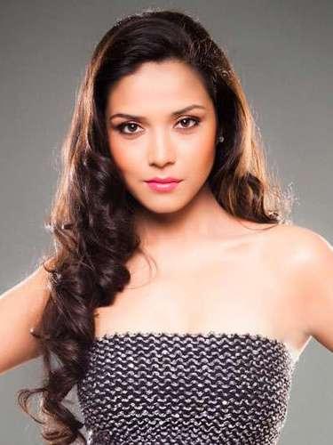Radiante y muy atractiva Miss India, Manasi Moghe. Tiene 21 años de edad y reside en Indore