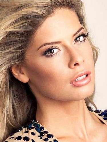 Sublime hermosura la de Miss Países Bajos, Stephanie Rosel Apcar (Tency). Tiene 22 años de edad y reside en Ámsterdam