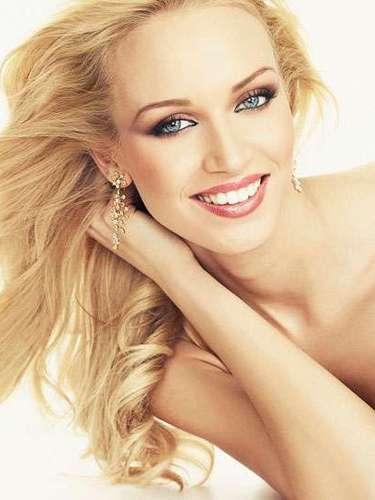 Romántico encanto el de la despampanante rubia de Miss República Eslovaca, Jeanette Borhyova. Tiene 20 años de edad y reside en Bratislava