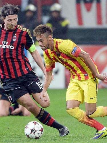Montolivo ayudó mucho en defensa para cubrir, sobre todo, a Neymar