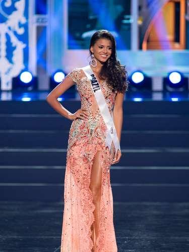 Miss Brazil - Jakelyne Oliveira. Tiene 20 años de edad, mide 1.78 metros de estatura y prodece de Rondonópolis.