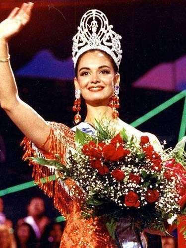 María Guadalupe Jones Garay, mejor conocida como Lupita Jones fue la primera mexicana en conquistar la corona de Miss Universo en 1991.