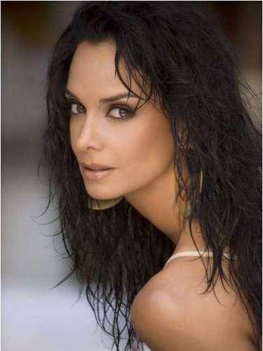 Para 1994, Lupita crea la empresa Promocertamen que se encarga de crear y organizar el certamen que hoy es Nuestra Belleza México.