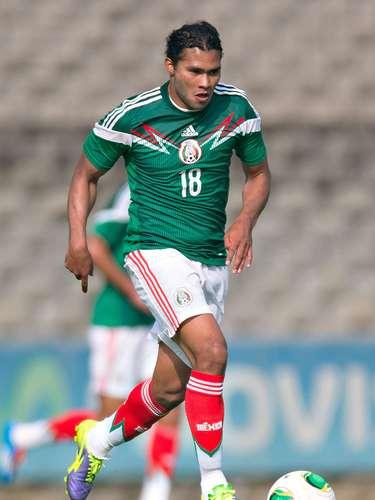 Carlos Peña es de los jugadores que más destacan en la mitad del campo de México.