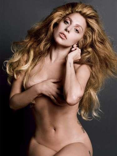 Lady Gaga. Aunque en algún momento de su pasado sufrió bulimia y anorexia, hoy día está más sana que nada... y lo demuestra posando desnuda en cuanta oportunidad se le presenta. ¿Quién no se sentiría orgullosa de esas curvas?
