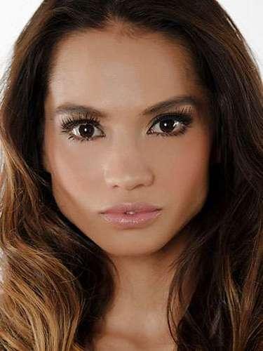 Miss Australia - Renera Thompson, tiene 26 años de edad, mide 1.70metros de estura (5 ft 7 in)y reside en Sydney.