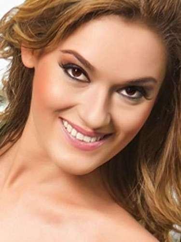 Miss Guatemala - Jimena Mansilla Wever. Tiene 23 años de edad, mide 1.73 metros de estatura (5 ft 8 in) y reside en Ciudad de Guatemala