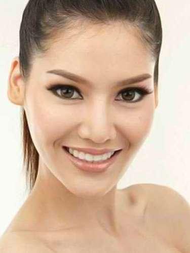 Miss Tailandia - Punika Kunsuntornrat, tiene 21años de edad, mide 1.74 metros de estura (5 ft 8 1/2 in)y reside en  Prachuap Khiri Khan.