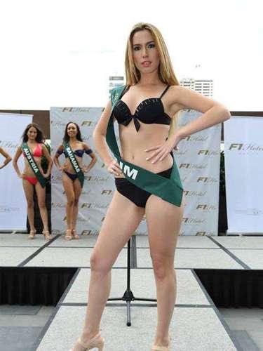 Miss Bélgica - Kristina de Munter, tiene 26 años de edad, mide 1.73 metros de estura (5 ft 8 in)y reside en Bruselas.