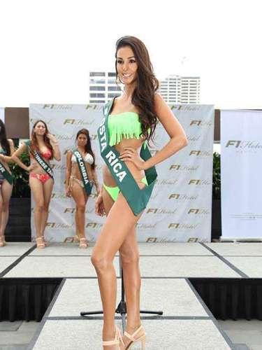Miss Costa Rica - Mariela Aparicio, tiene 25 años de edad, mide 1.75 metros de estura (5 ft 9 in)y reside en San José.