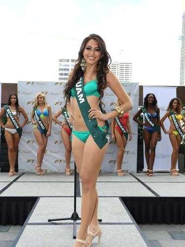 Miss Guam - Katarina Martinez, tiene 22 años de edad, mide 1.77 metros de estura (5 ft 9 12 in)y reside en Barrigada.