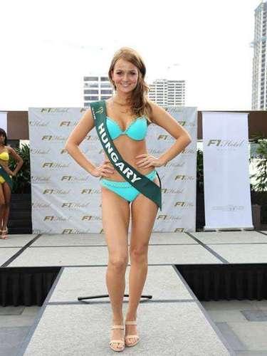 Miss Hungría - Dalma Huszarovic, tiene 24 años de edad, mide 1.68 metros de estura (5 ft 6 in)y reside en Budapest.