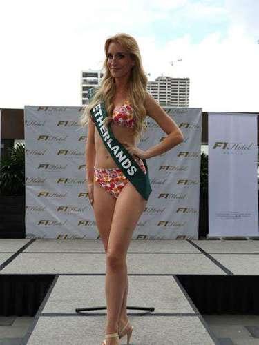 Miss Países Bajos - Wendy-Kristy Hoogerbrugge, tiene 26 años de edad, mide 1.79 metros de estura (5 ft 10 1/2 in)y reside en Rotterdam.