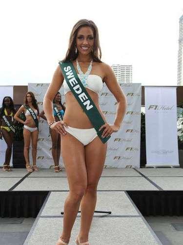 Miss Suecia - Denice Andrée, tiene 25 años de edad, mide 1.78 metros de estura (5 ft 10 in)y reside en Stockholm.