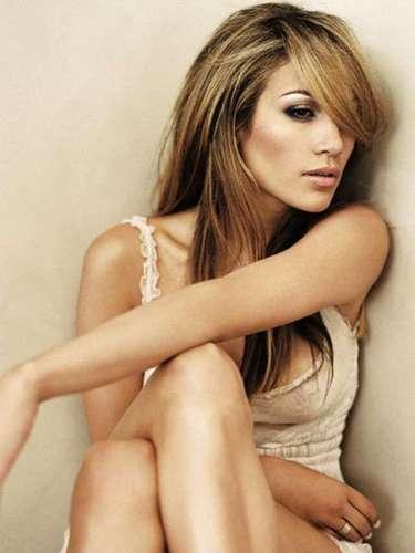 Jennifer Lopez: aún vive preocupada porque el video íntimo que grabó con su primer esposo. La diva del Bronx mantiene un juicio contra Ojani Noa para evitar que salgan a la luz. El exmarido de la intérprete reveló su intensión de usar fragmentos del material sexual para producir una cinta sobre su relación con la cantante.