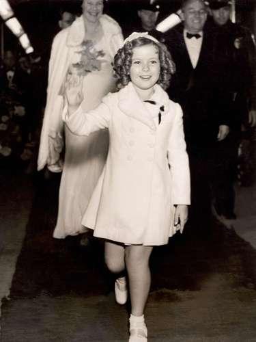 Shirley Temple.-Su publicista, Cheryl Kagan, dijo quela estrella, cuyo nombre real eraShirley Temple Black, murió rodeada de sus familiares en su casa cercana a San Francisco.