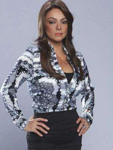Selma Carrasco (Marisela González)Es una periodista reconocida que presenta un show muy popular sobre casos de parasicología, aunque no cree en este tipo de cosas. Es muy amiga de Mónica Serrano.