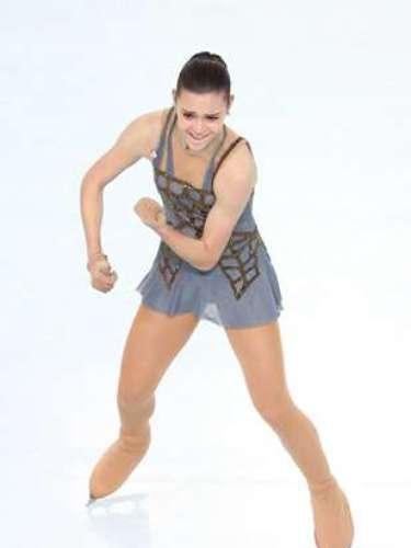 Se trata de Adelina Sotnikova, quien conquistó al público que asistió a su presentación en Sochi. Con su performance, desplazó a la plata a la coreana Yuna Kim, ganadora de la presea dorada en Vancouver 2010.