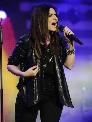La segunda noche será de Laura Pausini. La cantante italiana actuará el lunes 24 de febrero con sus mejores éxitos, en 2013 lanzó un álbum recopilatorio para celebrar sus 20 años de trayectoria.