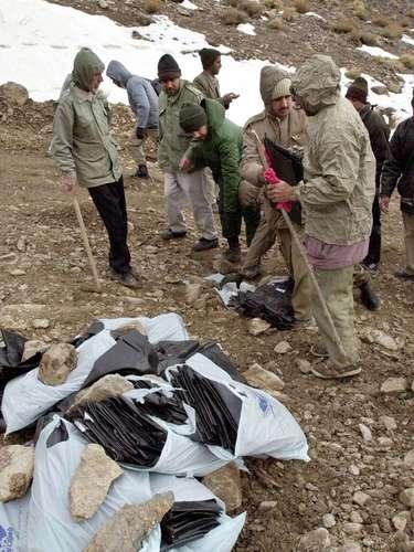 El 19 de febrero de 2003 fallecieron los 302 ocupantes de un avión militar iraní que se estrelló en el sur del país. En el Antonov de fabricación rusa, que cubría un vuelo interno entre las ciudades de Zahedan y Kerman, viajaban miembros del Cuerpo de Guardia Revolucionaria Islámica.