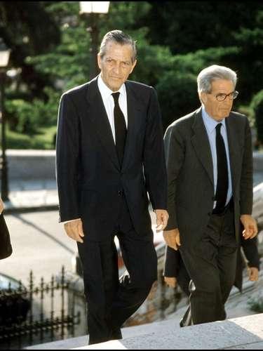 Adolfo Suárez, a su llegada a la iglesia de Los Jerónimos, que acogió el funeral que tuvo lugar en Madrid el 31 de mayo de 2001 por el alma de Amparo Illana.