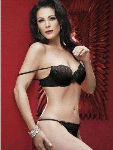 Lourdes Munguía.-Ella posó nuevamente desnuda como un capricho de su feminidad y lo hizo con doble portada de Playboy.
