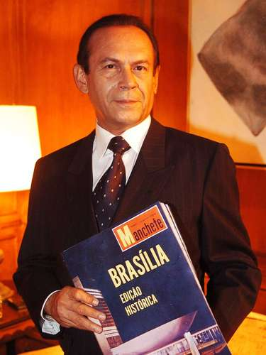 José Wilker fallecióeste sábado a la mañana, víctima de un infarto fulminante, en su casa de Río de Janeiro.En esta foto, el actor en'JK'