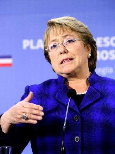 La Presidenta Michelle Bachelet, anuncia los planes de descontaminación atmosférica, estrategia 2014-2018, enfocados en las ciudades que registran los peores niveles de calidad del aire.