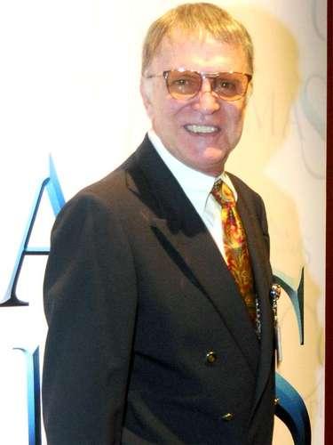 El actor Juan Peláez murió la madrugada del 23 de noviembre de 2013,a causa de un paro respiratorio provocado por el cáncer que padecía. Entre otros personajes memorables, el histriónmexicano dio vida al cura Miguel Hidalgo y Costilla en la telenovela 'La Antorcha Encendida'.