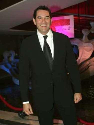 Eduardo Santamarina confesó públicamente ser un 'alcohólico en tratamiento. El actor de telenovelas como 'Ni Contigo Ni Sin Tí' (Televisa) dejó a todos pasmados con sus declaraciones en 2012 durante una entrevista en el programa 'Don Francisco Presenta' (Univisión). Allí dijo: \