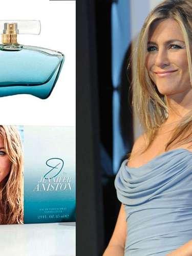 Después de tres años de su primer lanzamiento al mercado, Jennifer Aniston vuelve a probar suerte en el mundo de la belleza con J By Jenniffer Ansiton, una fragancia limpia y femenina, según lo ha expresado la misma actriz.