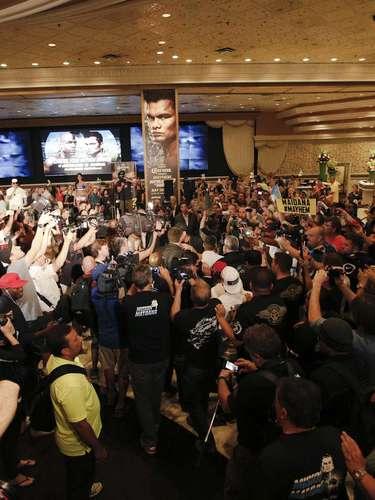 Floyd Mayweather Jr. y Marcos Maidana llegaron el 9 de septiembre al MGM Grand en Las Vegas, rumbo a su combate de revancha del 13 de septiembre.