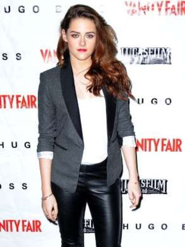 Leather is a trend that will not be going away anytime soon. It inspires sensuality and adds a touch of naughty. Celebrities love to wear it because it gives them a rockin' edge.Kristen Stewart wore leather pants with vibrant red shoes. A semi-formal look that gave her the sexiness edge.