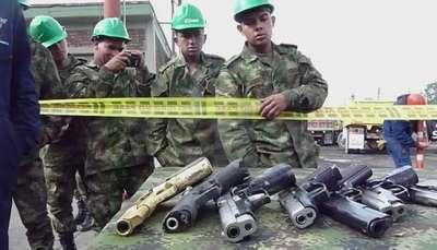 Colombia funde 8.000 armas de grupos ilegales Video: